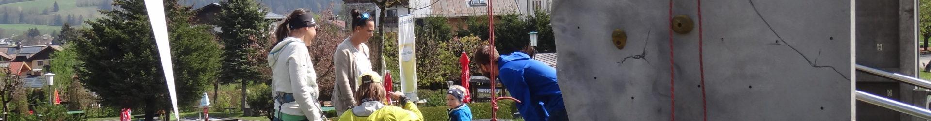 Maifest mit Kletterturm